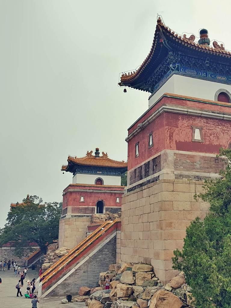 Wieże Pałacu Letniego w Pekinie.