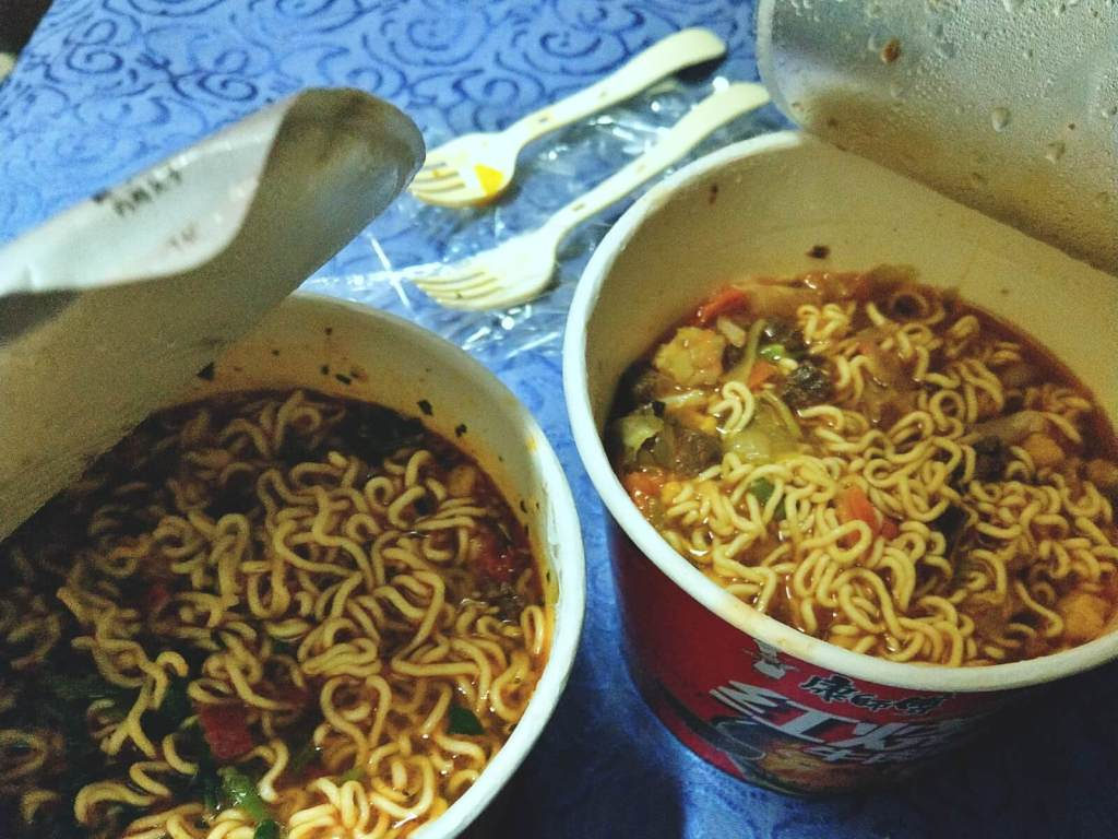Chińskie zupy instant.