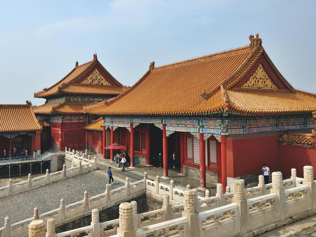 Żółte dach pałaców w Zakazanym Mieście w Pekinie.