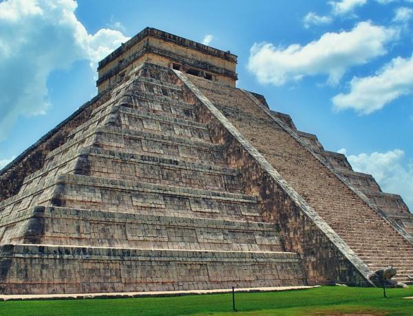 Piramida w Chitzen Itza w Meksyku.