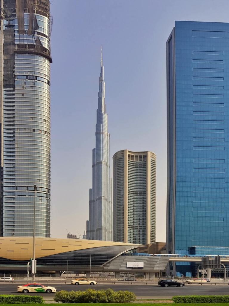 Widok na Burj Khalifa w Dubaju.