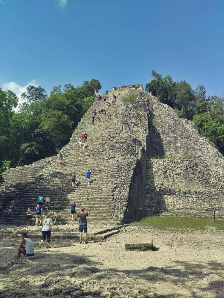 Wielka piramida Nohoch Mul w Coba. Ruiny Majów.
