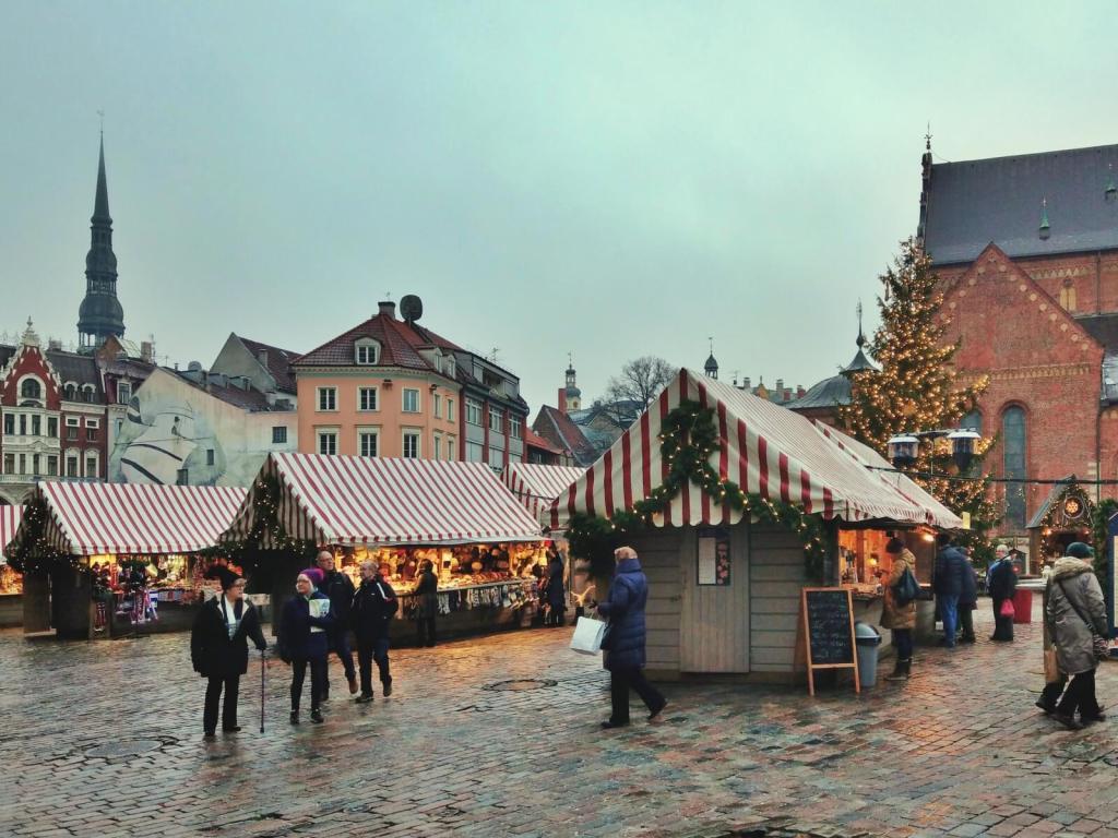 Jarmark bożonarodzeniowy w Rydze.