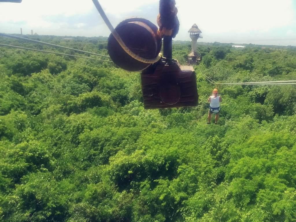 Park linowy Xplor w Meksyku na Jukatanie.