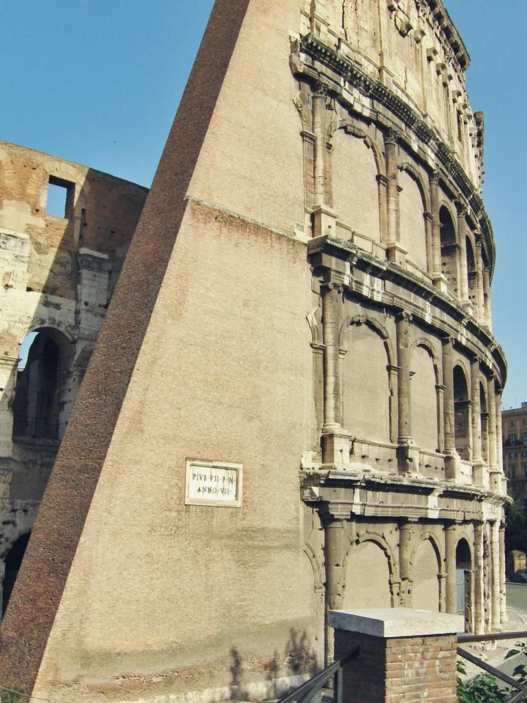 Koloseum w Rzymie.