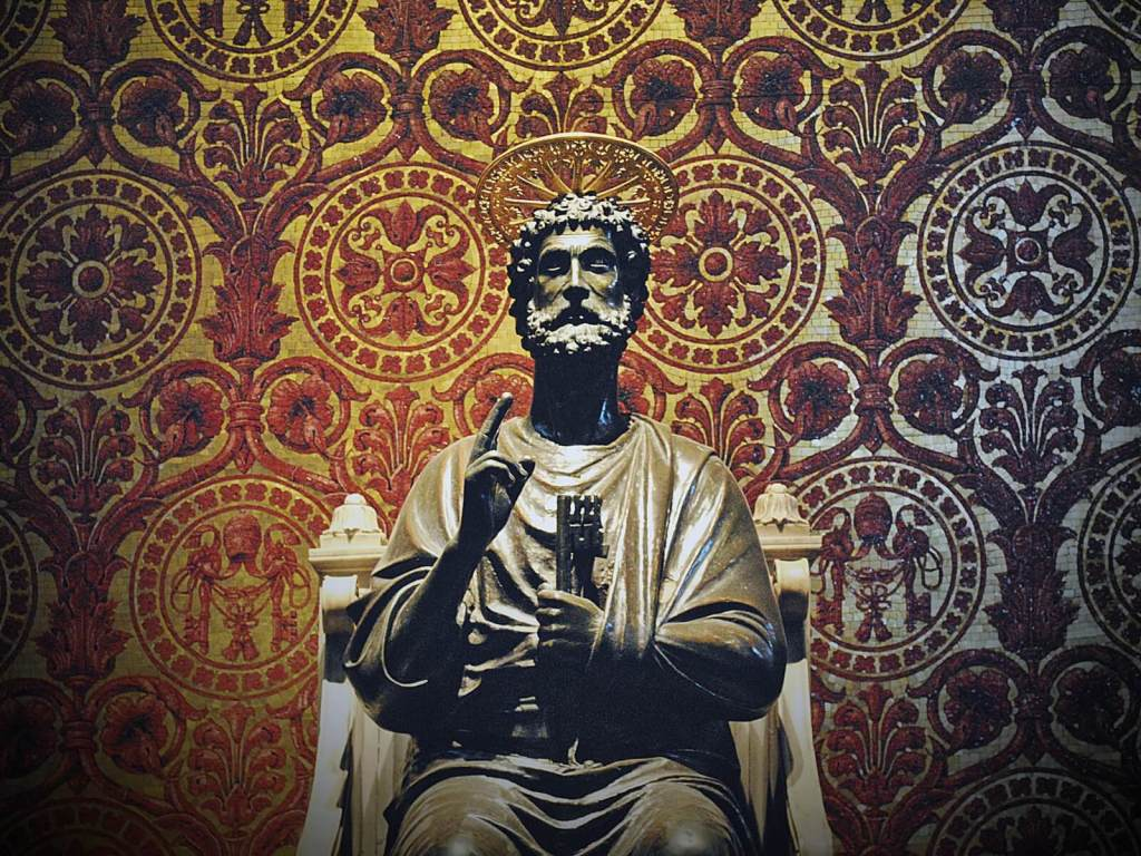 Posąg św. Piatra w watykańskiej bazylice.