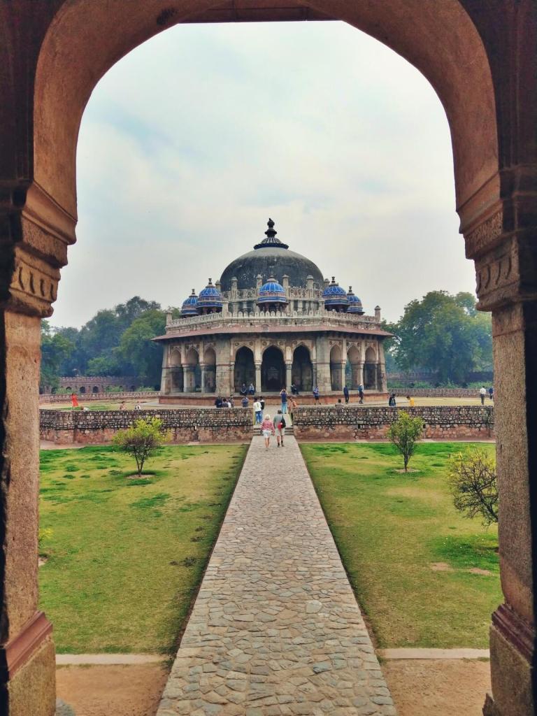 Kompleks grobowców przy grobowcu Humajuna w Delhi.
