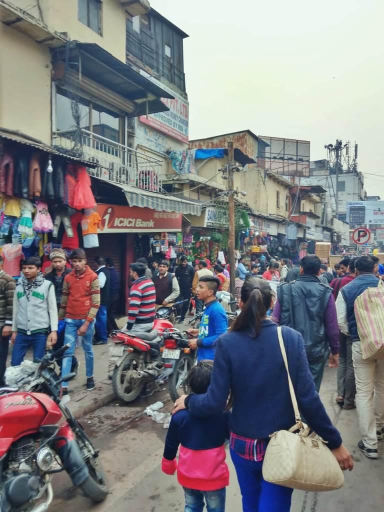 Ulice Delhi w Indiach.