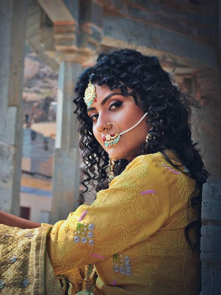 Piękna indyjska kobieta, aktorka z Dżajpuru.