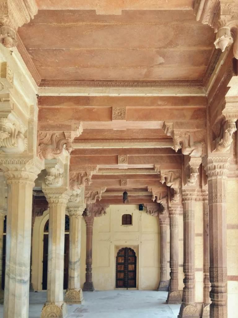 Sala audiencyjna w Amber Forcie w Jaipurze.