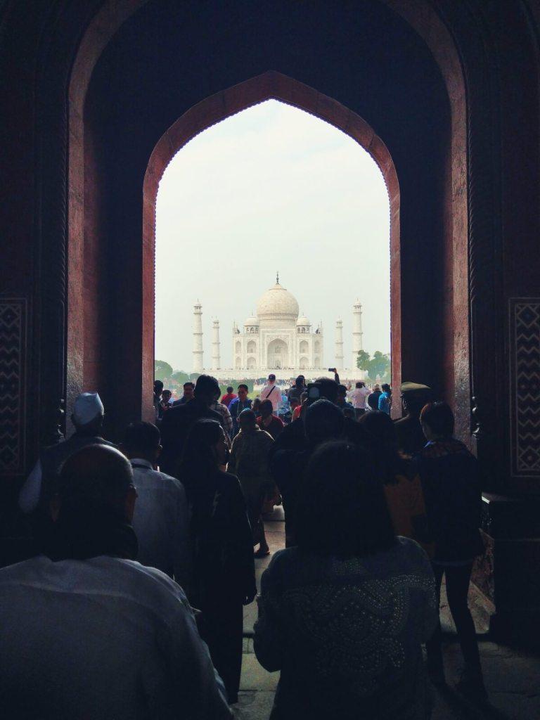 Marmurowy Taj Mahal w Agrze.