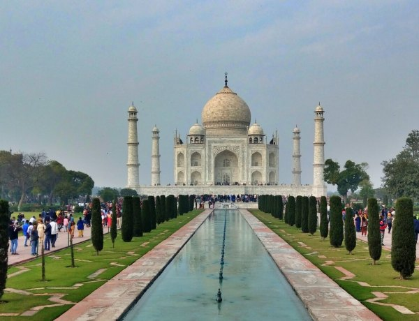 Taj Mahal w Agrze.