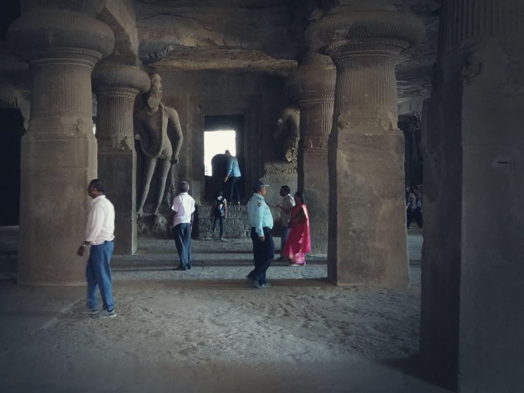 Groty Elefanty w Bombaju.