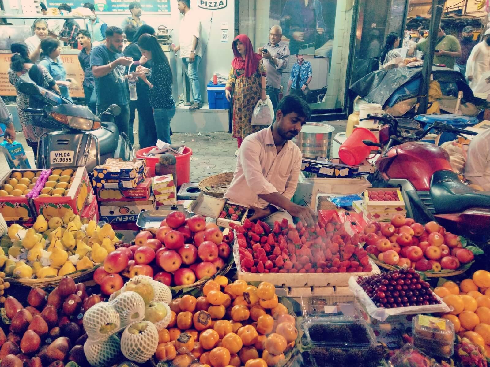 Owoce w Indiach są drogie.