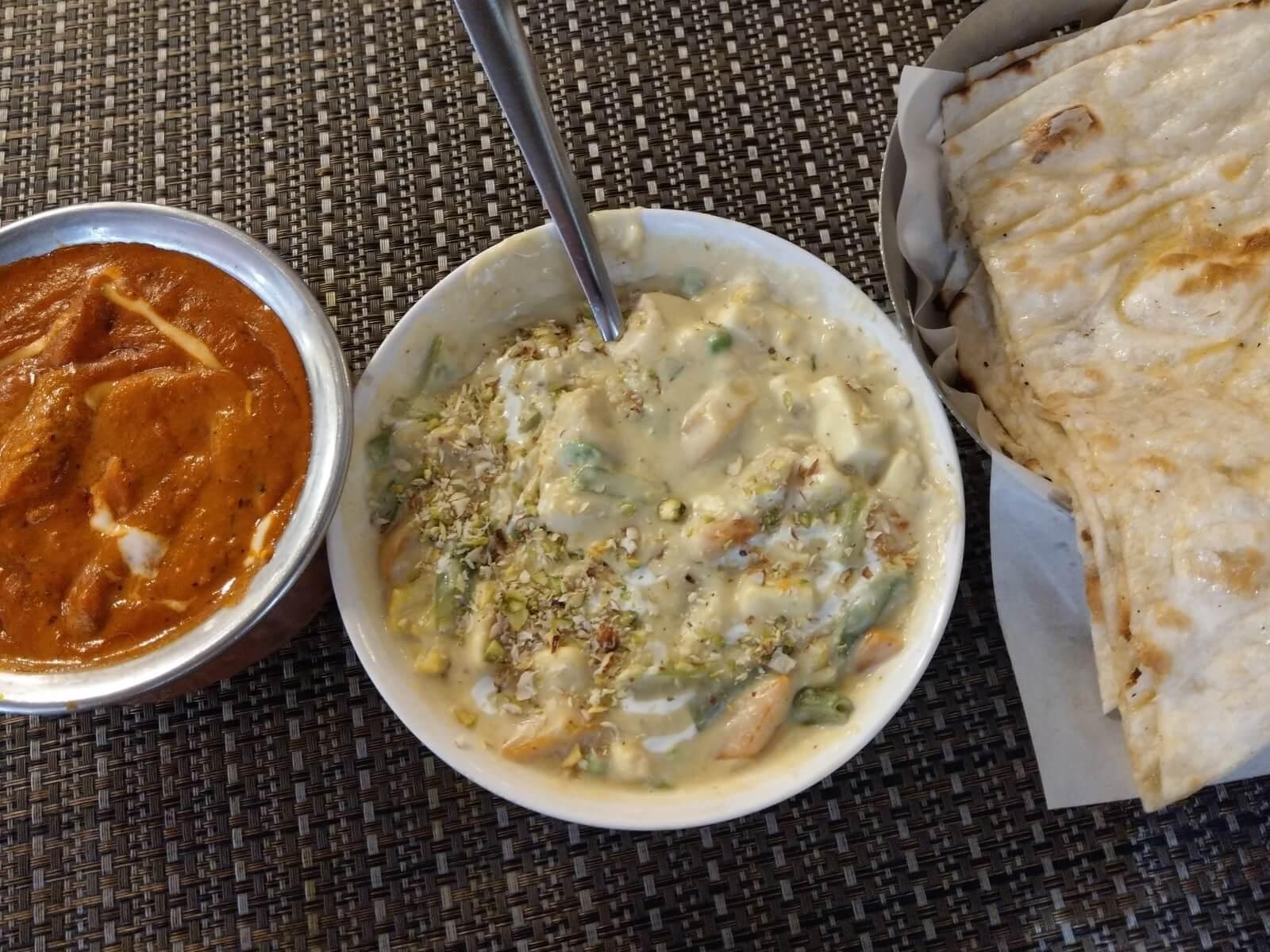 W indyjskiej kuchni zamias mięsa wykorzystuje się ser twarogowy - panir.