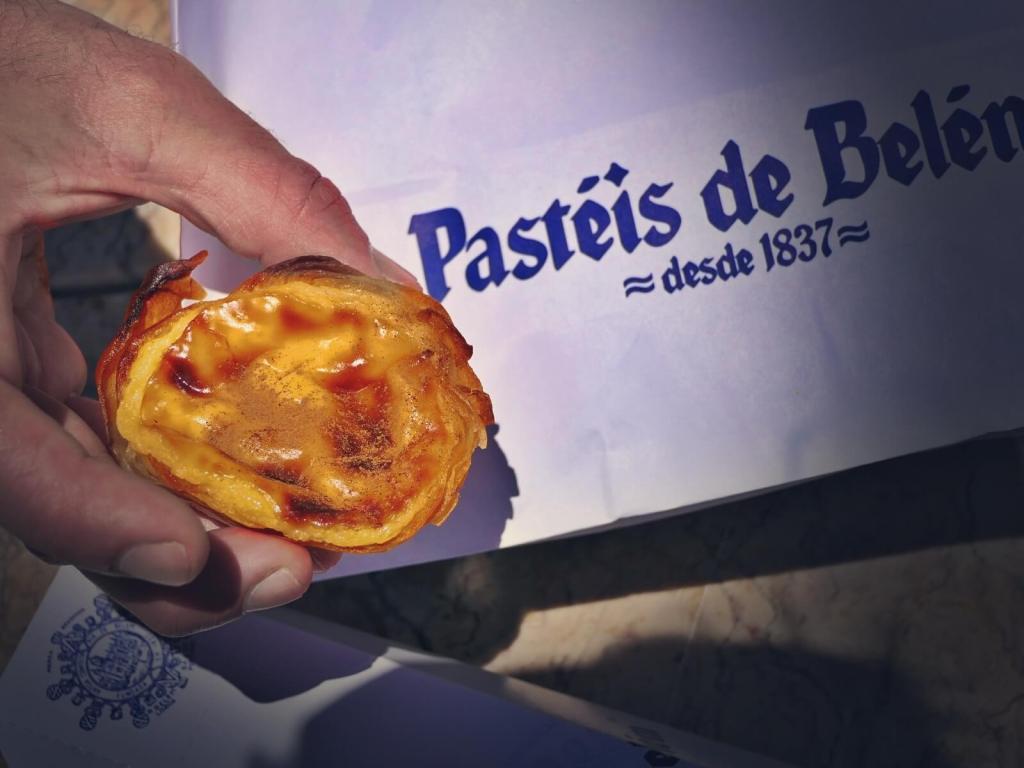 Słynne lizbońskie babeczki Pastéis de Belém.