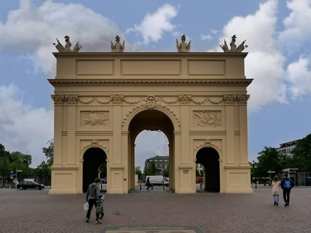 Brama Brandenburska w Poczdamie.