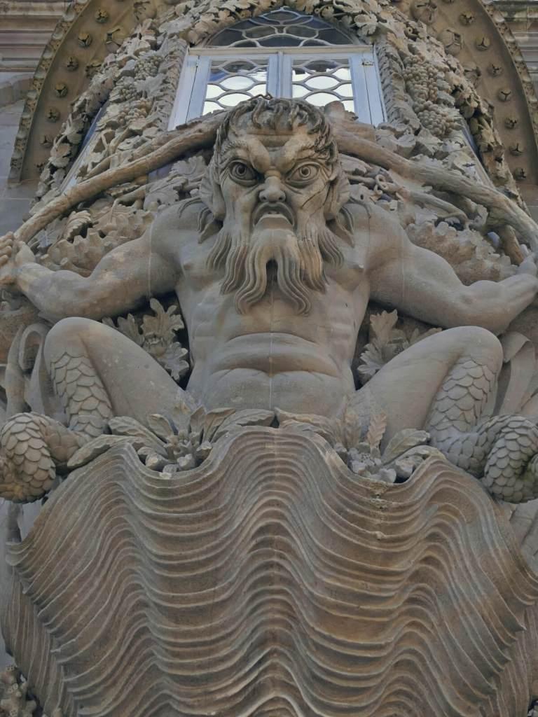 Maszkaron z pałacu Pena.