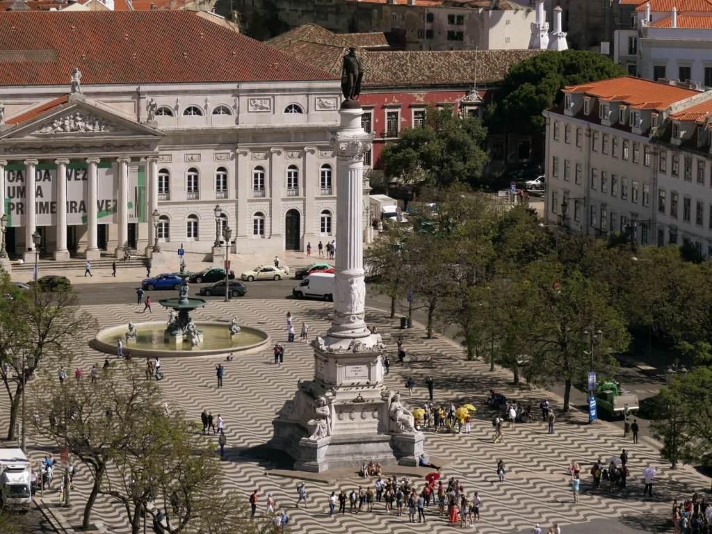 Plac Rossio w Lizbonie.