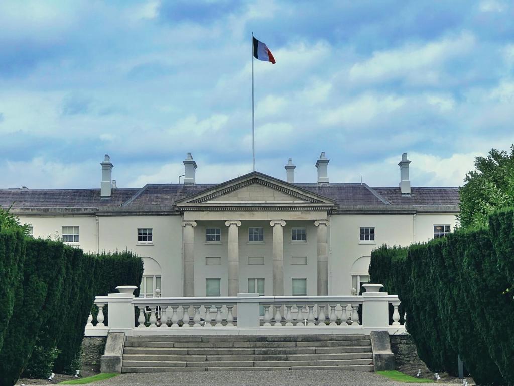 Pałac prezydencki w Dublinie.