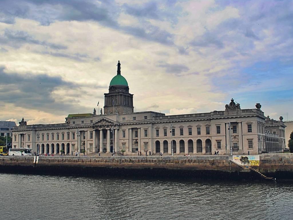 Budynek giełdy w Dublinie.