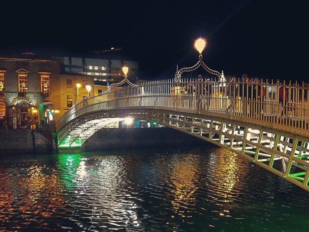 Peny Bridge w Dublinie.
