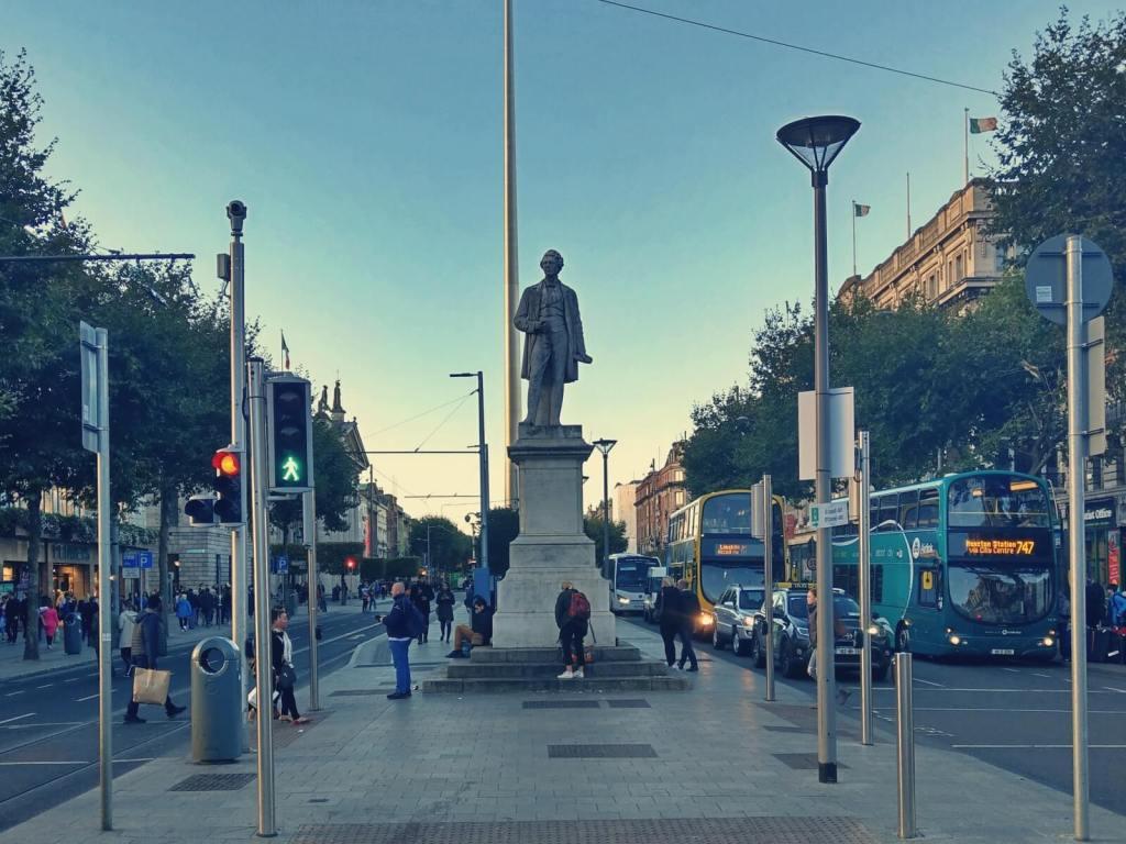 Szpica na ulicy O'Connell w Dublinie.