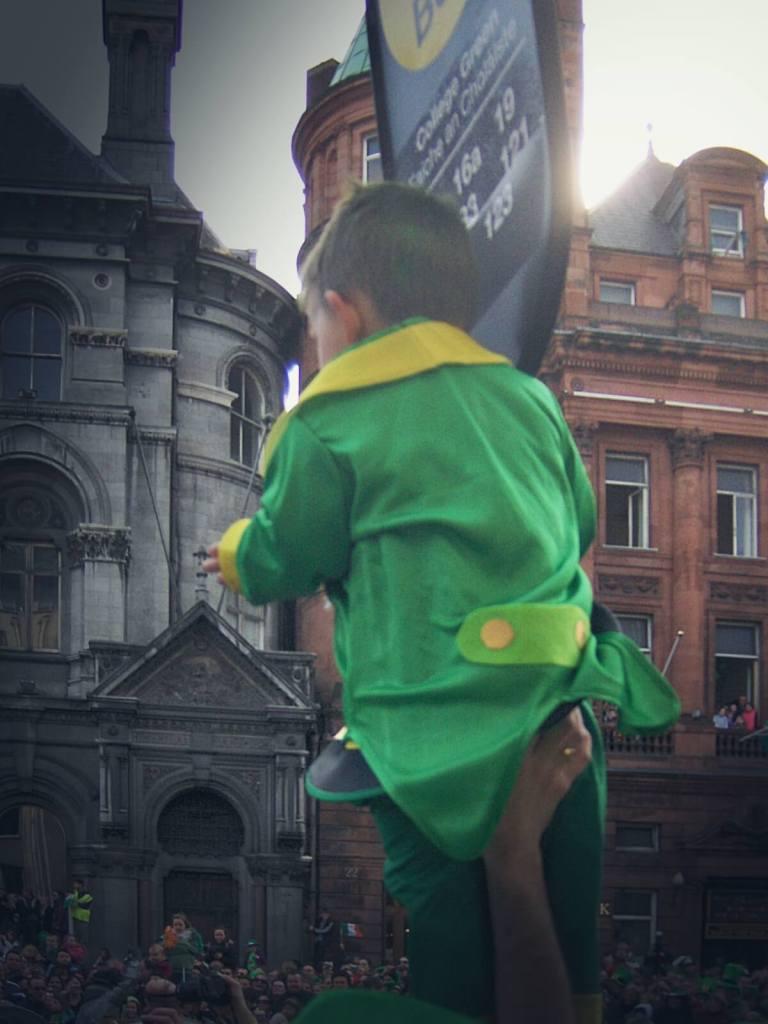 Parada w dzień św. Patryka w Dublinie.