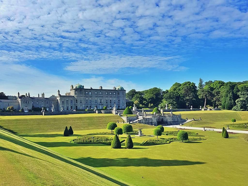 Ogrody Powerscourt w Irlandii.
