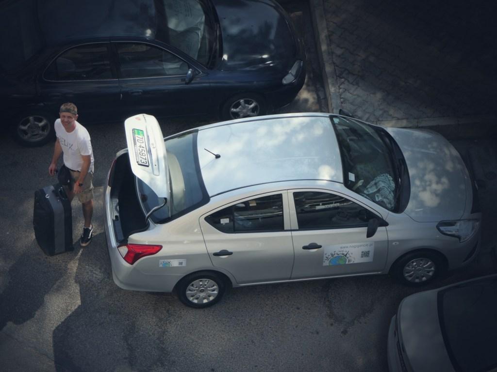 Samochód wynajęty z Auto Nation.