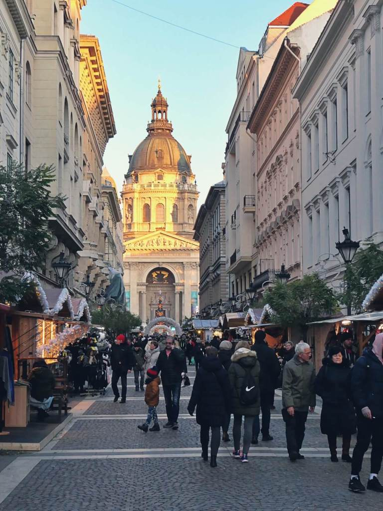 Jarmark bożonarodzeniowy w Budapeszcie.