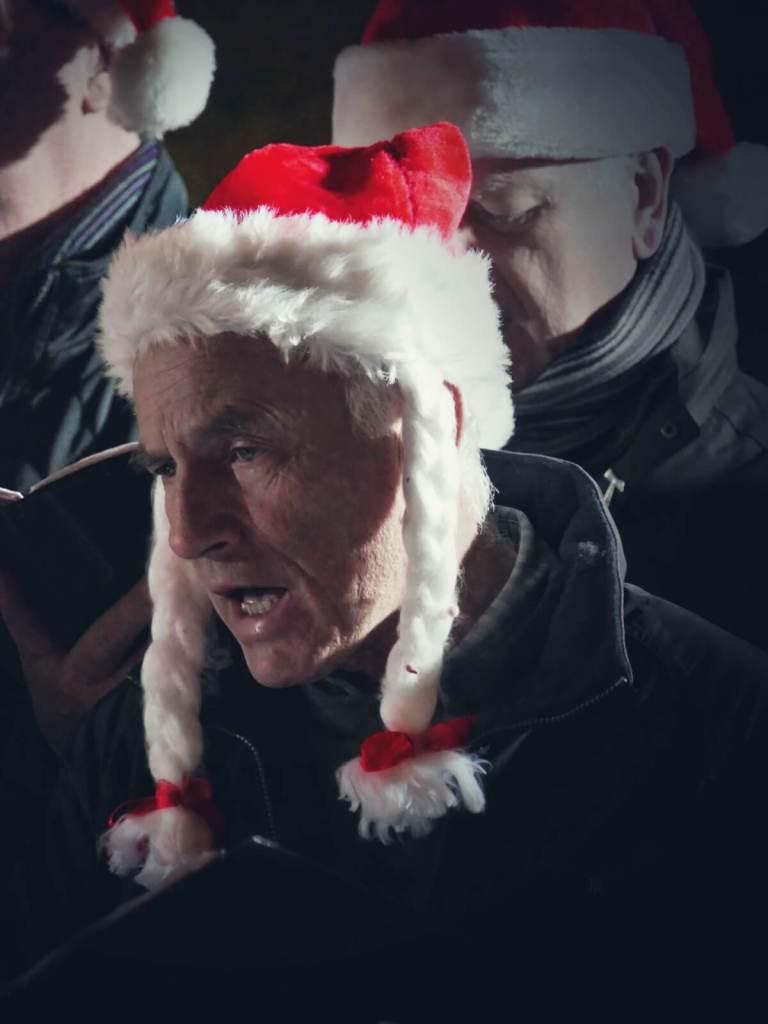Kolędnicy na jarmarku bożonarodzeniowym w Dublinie.