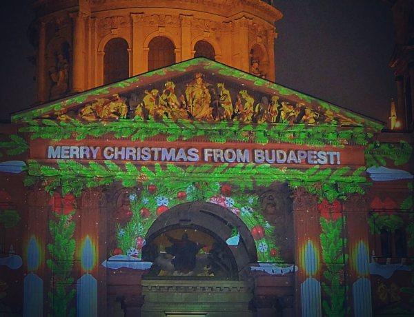 Iluminacje świetlne na katedrze św. Szczepana w Budapeszcie.