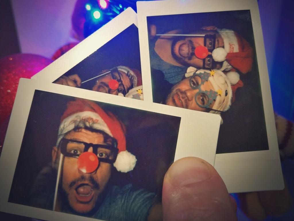 Blogerzy podróżniczy życzą swoim czytelnikom Wesołych Świąt.