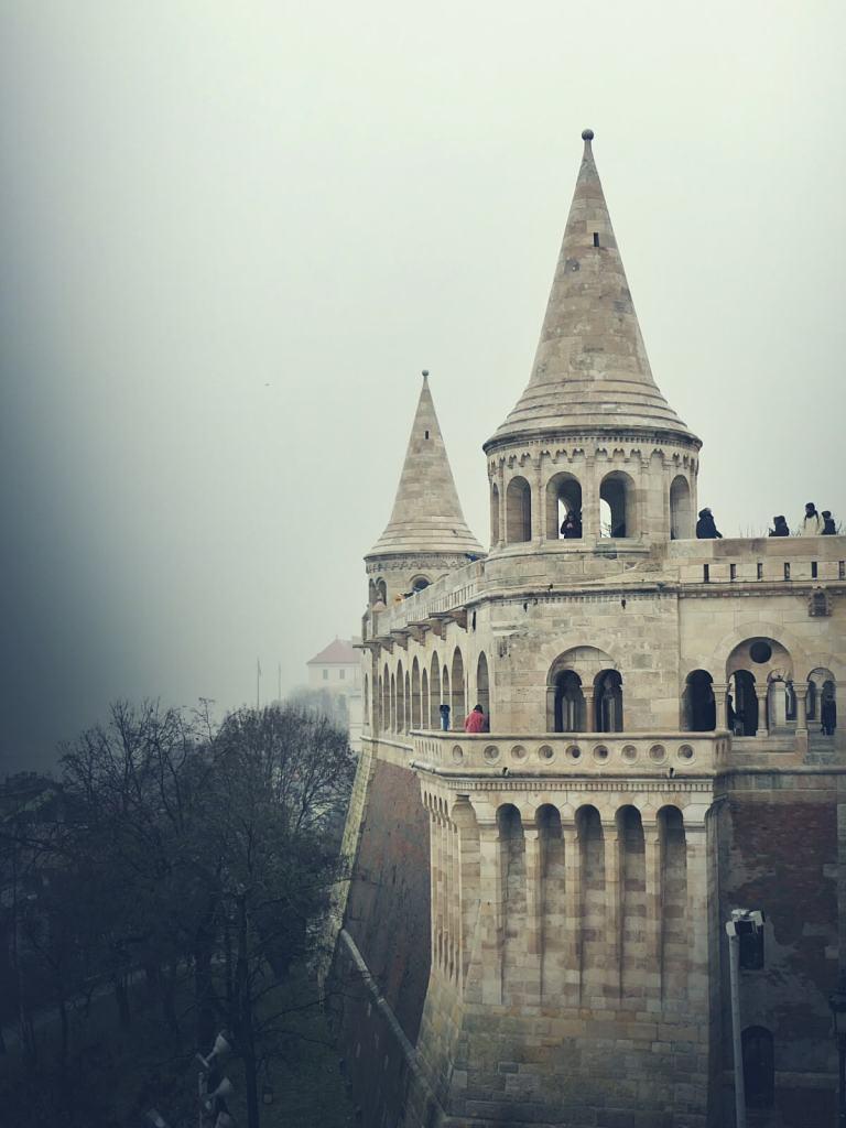 Wieżyczki baszty Rybackiej w Budapeszcie.