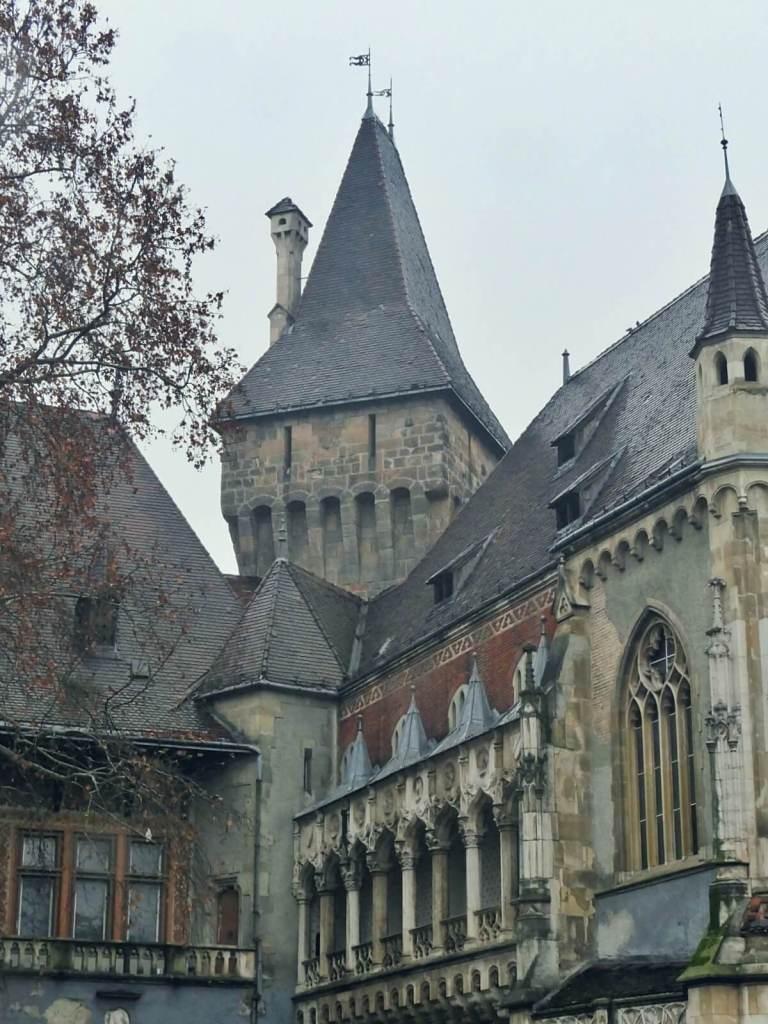 Zamek Vajdahunyad w Budapeszcie.