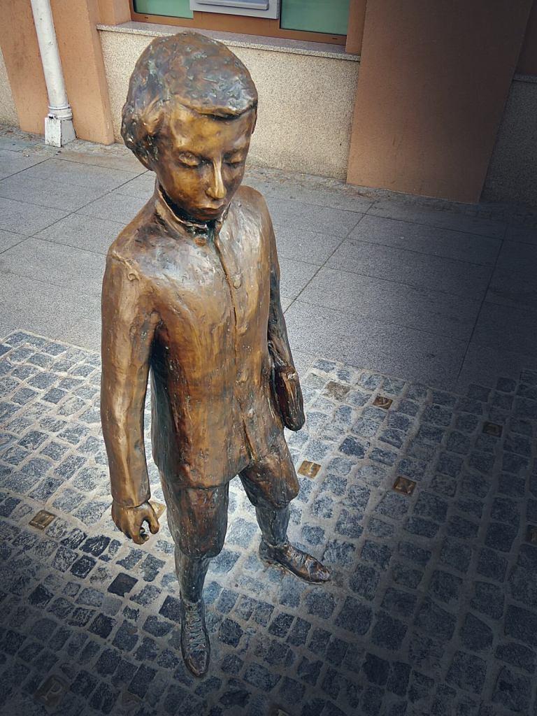 Pomnik Ludwika Zamenhofa w Białymstoku.