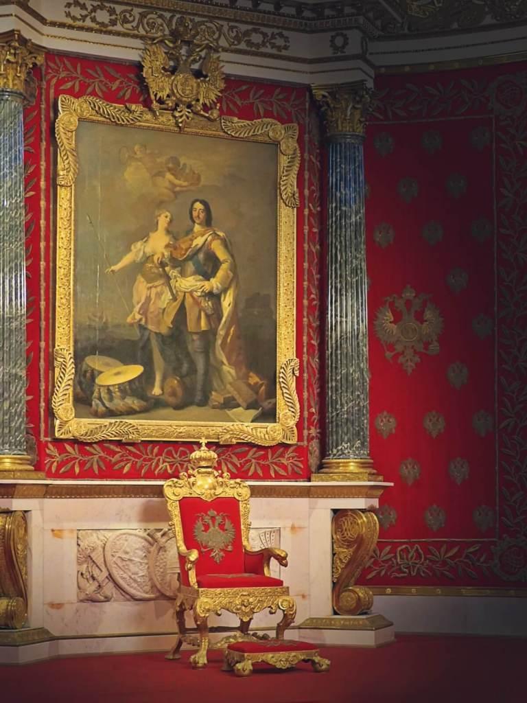 Tron cara Rosji w Pałacu Zimowym w Petersburgu.