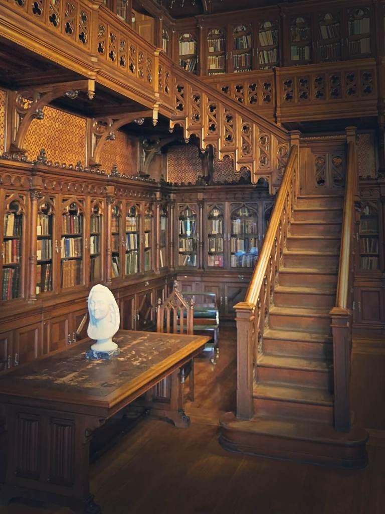 Biblioteka cara Rosji w Pałacu Zimowym w Petersburgu.