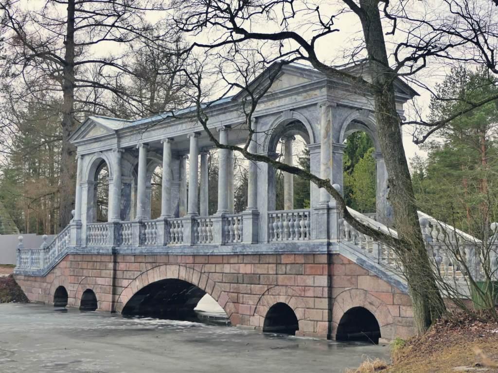 Marmurowy most w Carskim Siole w Puszkinie.