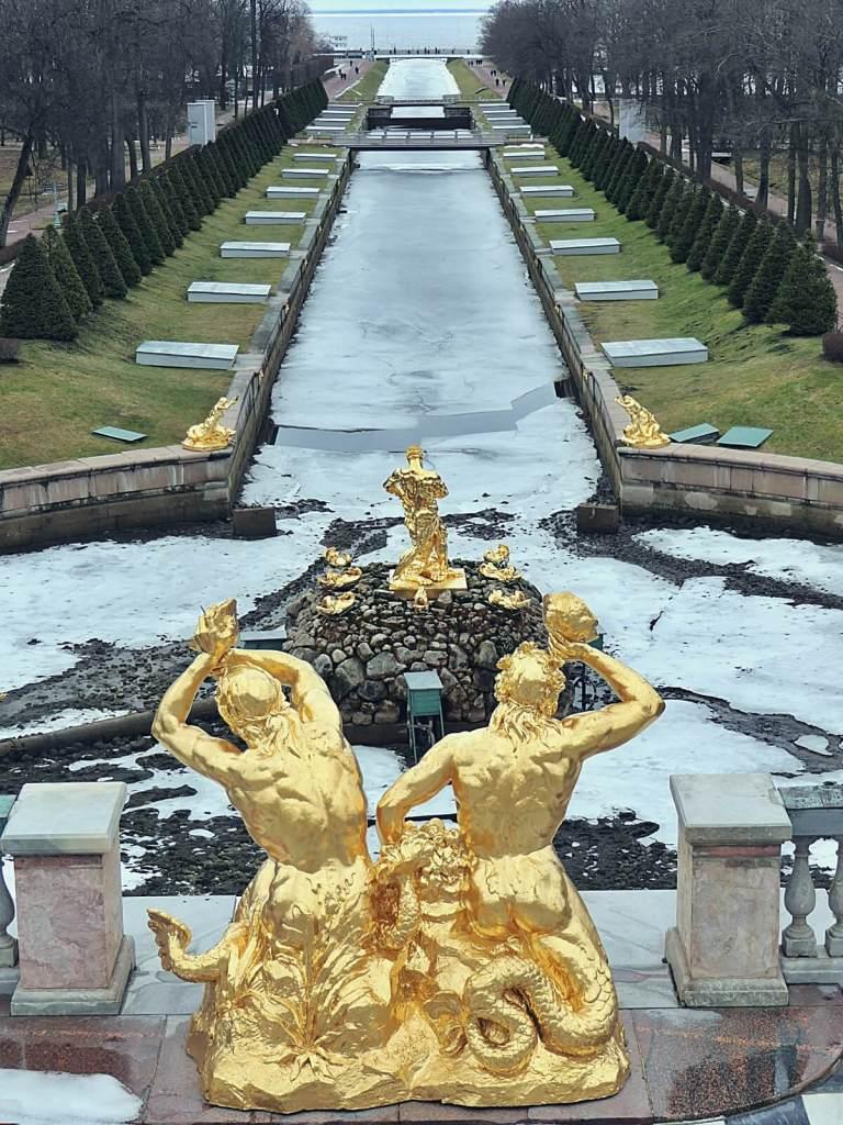 Wielki Pałac w Peterhofie.