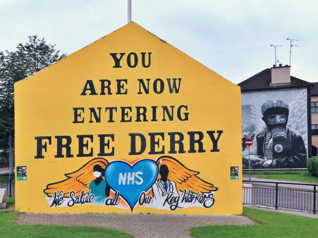 Murale w London Derry w Irlandii Północnej.