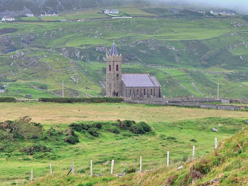Irlandzki kościół w hrabstwie Donegal.