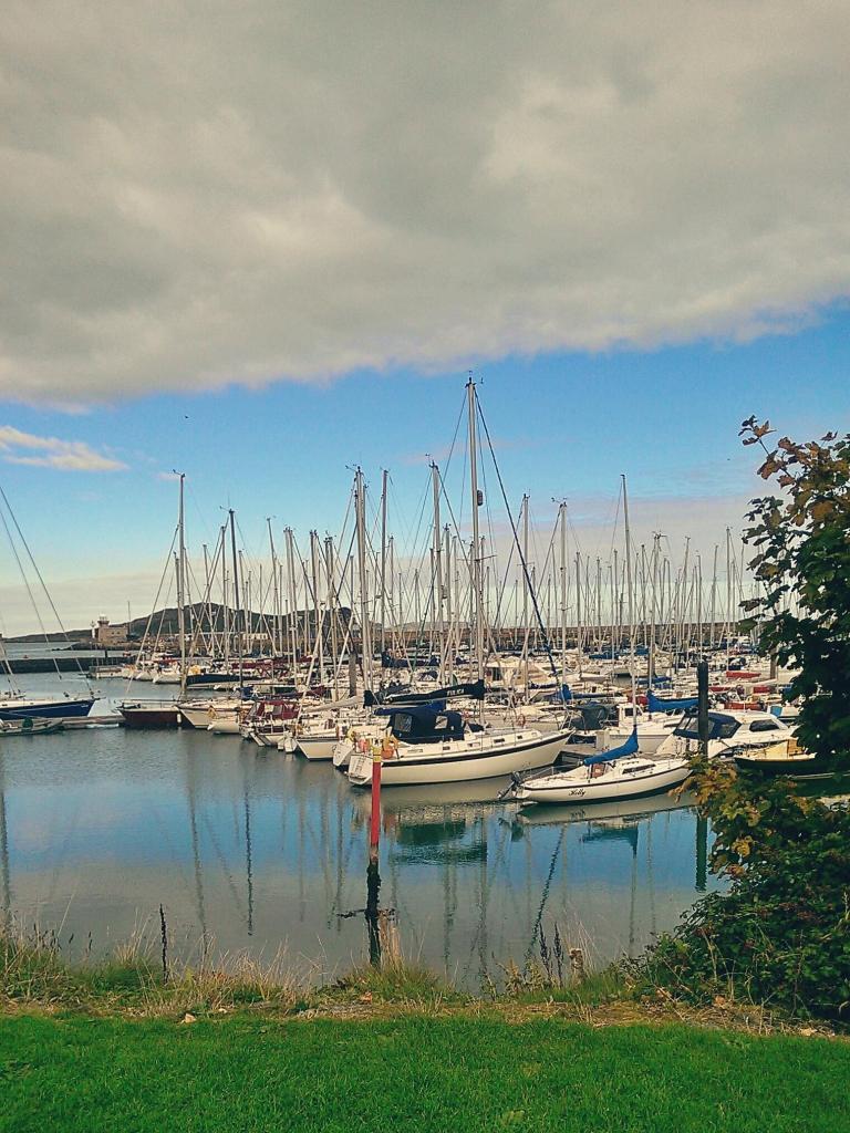 Port w Howth w Irlandii