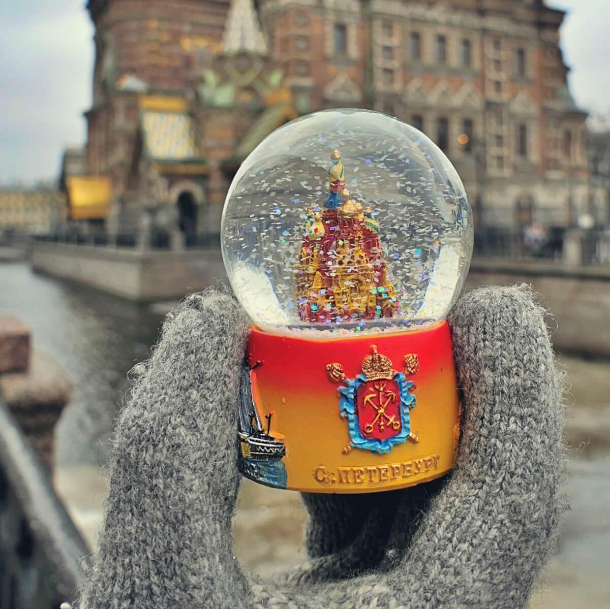 Kula śniegowa z Petersburga.